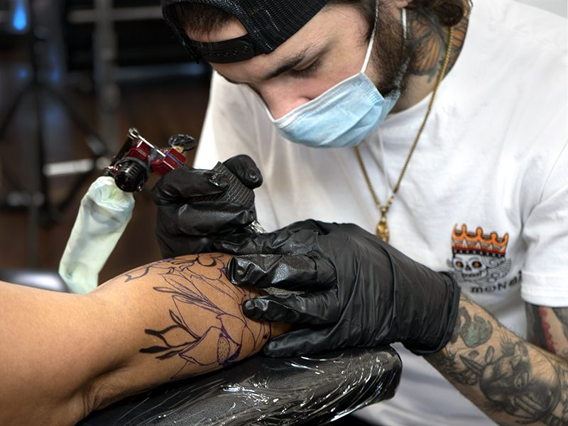https://www.centraltattoostudio.com/wp-content/uploads/2020/09/Murrt_ArmTattoo_Thumbnail-800x600.jpg